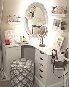36 Most Popular Makeup Vanity Table Designs 2019 - Ideas for my room! Decor, Vanity Room, Bedroom Vanity, Room Inspiration, Interior, Bedroom Decor, Small Room Design, Home Decor, Room Decor