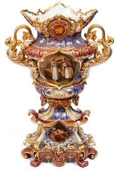 A RUSSIAN PORCELAIN VASE, PRIVATE FACTORY, 1850S-1860S, POSSIBLY SAMSONOV OR SIPYAGIN FACTORY. This is an example of Russia's porcelain that has shaped parts of Russia's culture