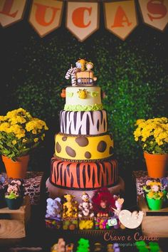 Jungle, Safari, and Zoo Cake Ideas Safari Theme Birthday, Safari Birthday Party, Baby Party, First Birthday Parties, Birthday Ideas, Birthday Cake, Safari Jungle, Jungle Party, Zoo Cake
