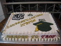 Graduation Cake Made by momma @Susie Ward
