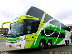 Brazilian coach: Marcopolo Paradiso DD with twin-steer (chassis Volvo or Scania?)