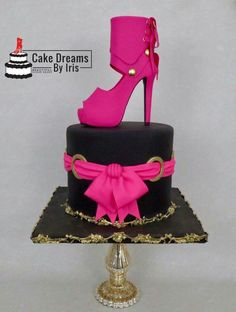 High heel sugar shoe – Cake by Iris Rezoagli - Babyshower Pink Cake Ideen