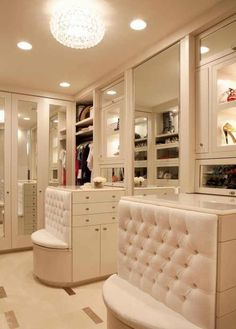 this has a bench, drawers, AND a mirror!!