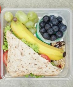 10 quick healthy brown bag lunches this will come in handy at college when i only have a 15 min lunch break... Should have found this along time ago