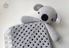 This adorable Koala Bear lovey is a plush toy and security blanket all in one! It's perfect for baby's little hands and will surely become a friend for your baby. Crochet Security Blanket, Crochet Lovey, Baby Security Blanket, Lovey Blanket, Manta Crochet, Baby Blanket Crochet, Crochet Toys, Baby Lovey, Crochet For Kids