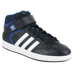 "Scarpe sportive ""Varial Mid"" del brand #Adidas."