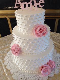 Pearl studded classic cake