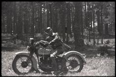 Gerda Taro [Republican soldier on a motorcycle, Navacerrada Pass, Segovia front, Spain], late May–early June 1937 © Gerda Taro/ Internationa...