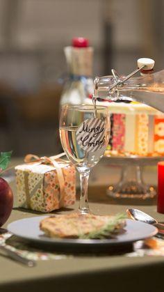 使用mt:2016 christmas シリーズ、Seal ストライプ銀 Christmas 2016, Masking Tape, White Wine, Alcoholic Drinks, Glass, Duct Tape, Drinkware, Corning Glass, White Wines