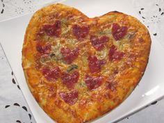 PIZZA SAN VALENTÍN http://alyscakes.blogspot.com.es/2015/02/pizza-romantica-para-san-valentin.html