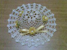 BOMBONIERA CAPPELLINO INAMIDATO - Dall'album di Maria65: http://www.megghy.com/album/maria65/uncinetto/bomboniera-cappellino-inamidato.html