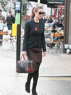 Pippa Middleton with Loewe Amazona Tricolor