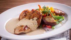 K přípravě omáčky k přírodnímu řízku stačí jen kapka fantazie. Pork, Meat, Chicken, Red Peppers, Kale Stir Fry, Pork Chops, Cubs
