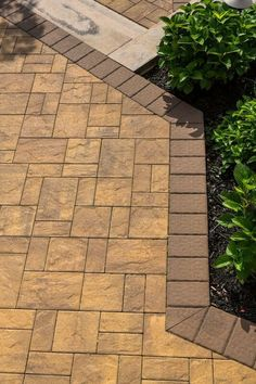 Looking for something unique? Cambridge Pavingstones with ArmorTec has a wide selection of steps, walkways, wallstones and kits. Contractor: DC Contracting