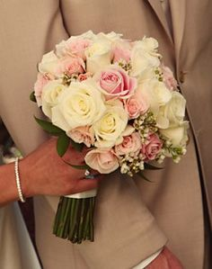 Show me light pink and white bouquets! :  wedding Detailview