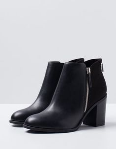Bershka Bosnia and Herzegovina -Bershka side zipper ankle boots Ankle Boots, Low Boots, Short Boots, Heeled Boots, Bootie Boots, Rain Boots, Sock Shoes, Cute Shoes, Me Too Shoes