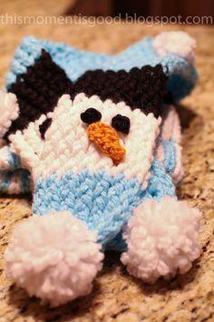 LOOM KNIT:  SNOWMAN SCARF.  #loomknitsnowmanscarf #freeloomknittingpatterns #loomknitting