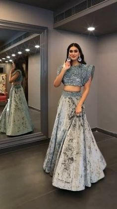 Party Wear Indian Dresses, Party Wear Lehenga, Indian Gowns Dresses, Indian Bridal Outfits, Pakistani Bridal Wear, Indian Fashion Dresses, Indian Designer Outfits, Stylish Dress Designs, Designs For Dresses