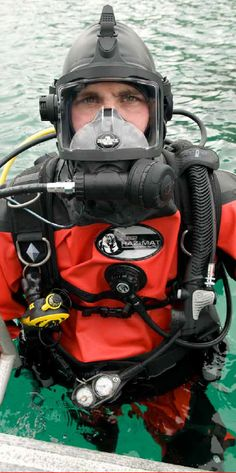 Aqua Lung Public Safety Diver.  Photo: Aqua Lung