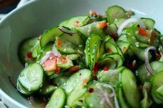 Dale un toque asiático a la ensalada de pepinos con esta receta