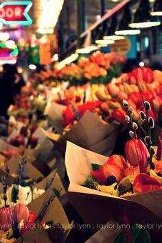 .....  Pike Street Market - Seattle, WA