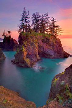 Parque Estadual Samuel H. Boardman, no Oregon, USA…