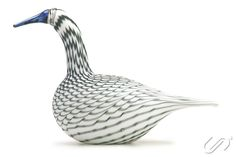 iittala Birds by Oiva Toikka Whooper Swan Grey. Art Of Glass, Craft Accessories, Glass Birds, Table Settings, Delicate, Vase, Sculpture, Beautiful, Design