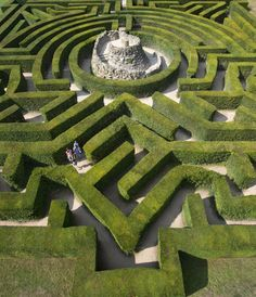 The maze at Leeds Castle will have you wondering around lost for hours! #homeimprovementideasuk,