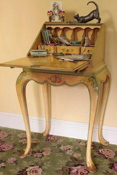 Vintage Home - exquisite Jahre Ladies Writing Bureau. Hand Painted Furniture, French Furniture, Miniature Furniture, Shabby Chic Furniture, Vintage Furniture, Furniture Projects, Home Furniture, Furniture Design, Antique Writing Desk
