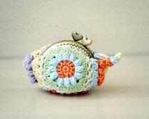 Flowers Kiss lock coin purse crochet pastels granny squares
