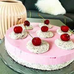 Oreokake med kirsebærfromasj