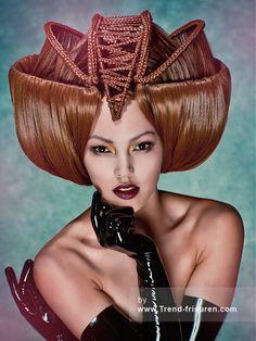 Yeliz KAYA Braun Lange weiblich Gerade Farbige Plastische Avantgarde Niederländisch Frauen Frisuren hairstyles