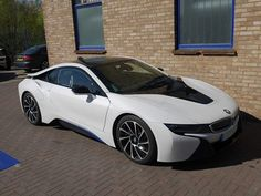 Its ELECTRIC at Quantum today... the jaw dropping #BMWi8. We can't tune it, but who cares its nice to just stand and stare