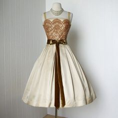 1950's Harry Keiser Champagne Satin With Beige Lace and Bow