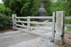 We have a great selection of oversized Driveway Granite Gate Posts. These can be drilled and finished to accept any conventional or mechanical gate. Please contact us today if you are looking for Granite Gate Posts. Driveway Fence, Backyard Gates, Driveway Entrance, Fence Gate, Fencing, Wooden Driveway Gates, Gate 2, Stone Driveway, Stone Fence