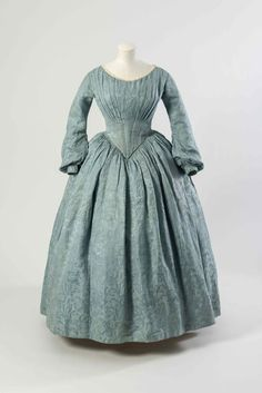 Dress, 1840′s From the Fashion Museum, Bath on Twitter