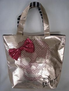 NWoT Betsey Johnson Too Too Pretty Skull Tote . Starting at $1 on Tophatter.com!