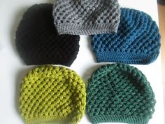 and great colors / Kreafreak: Huer huer og masser af huer. Crochet Bebe, Diy Crochet, Knitting For Kids, Baby Knitting, Knitted Hats, Crochet Hats, Knit Beanie Hat, Clothes Crafts, Knitting Accessories