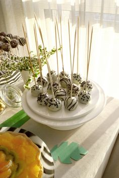 Jungle party_white popcakes