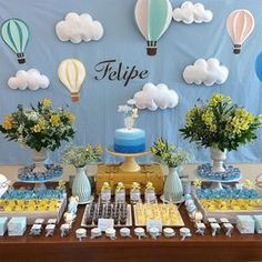 Saving for the clouds and hot air balloon decor! Baby Shower Balloons, Baby Shower Parties, Baby Shower Themes, Baby Shower Decorations, Baby Boy Shower, Balloon Decorations, Birthday Decorations, Baby Birthday, 1st Birthday Parties