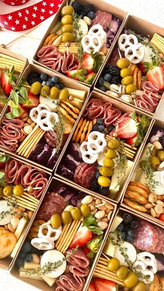Charcuterie Picnic, Charcuterie Recipes, Charcuterie Platter, Charcuterie And Cheese Board, Cheese Boards, Party Food Platters, Cheese Platters, Recipes Appetizers And Snacks, Appetizer Dips