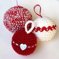 Christmas decorations and crochet. Felt Christmas Decorations, Crochet Christmas Ornaments, Christmas Crochet Patterns, Holiday Crochet, Christmas Crafts, Crochet Diy, Crochet Home, Crochet Mandala Pattern, Craft Fairs