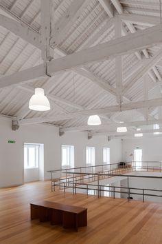 Since 1998 the Web Atlas of Contemporary Architecture Contemporary Architecture, Interior Architecture, Interior Design, Scissor Truss, Small Places, New Builds, Shabby, Ceiling Lights, Lighting
