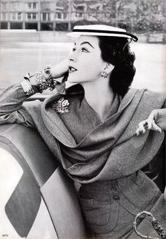 Dovima by Norman Parkinson, 1952