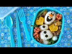 How to Make Olaf Bento Lunch Box (FROZEN Disney) Great bento idea for both boys and girls :) Kawaii Bento, Cute Bento, Comida Disney, Disney Food, Lunchbox Kind, Apple Cake Pops, Olaf, Boite A Lunch, Eat Happy