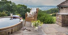 Brecon Beacons luxury self-catering remote home with hot tub in Crickhowell, Wales. Airbnb Rentals, Brecon Beacons, Black Mountain, Cymru, Weekends Away, Girls Weekend, Hotels And Resorts, Wales, Remote
