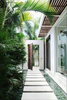 Trendy Ideas For House Design Exterior Modern Patio Design Exterior, Modern Exterior, Wall Exterior, Exterior Siding, Stone Exterior, Exterior Stairs, Cottage Exterior, Bali Villa, Private Villa Bali