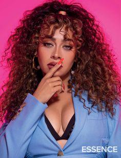 Essence Magazine, Hair Cuffs, Issa Rae, Tough Girl, Brown Skin Girls, Girl Swag, Gold Hair, Mom Style, Wavy Hair