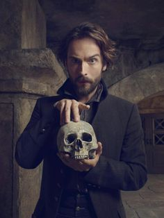 Sleepy Hollow S3 Oh, Captain Crane. Where did you get that skull?