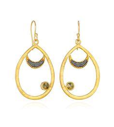 www.wanderingmarket.com CELESTIAL CRESCENT Gunmetal, Gold and Pyrite earrings